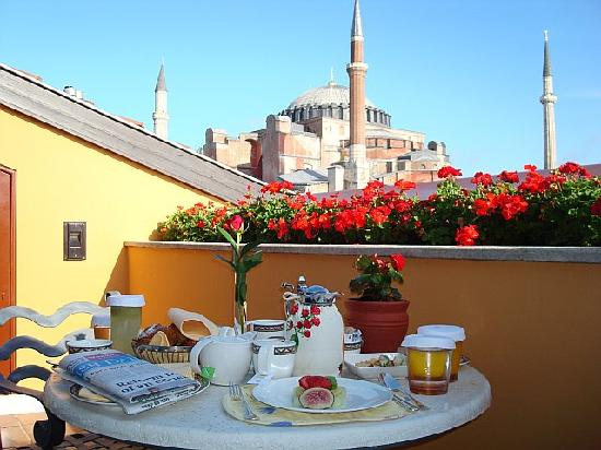 Breakfast - Picture of Four Seasons Hotel Istanbul at Sultanahmet ...